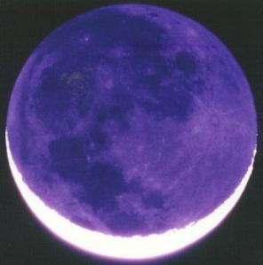 normal_Earthshine_Moon